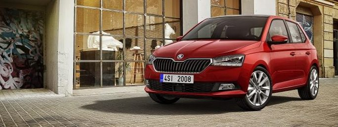 1514736_Fabia_FL_FRONT_RED