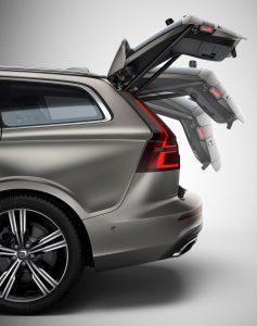 1520368_223545_New Volvo V60 exterior